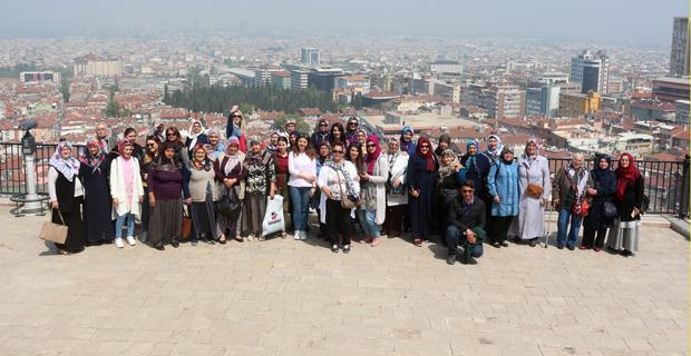 Sarıcakayalı kadınlar Bursa'ya çıkarma yaptı