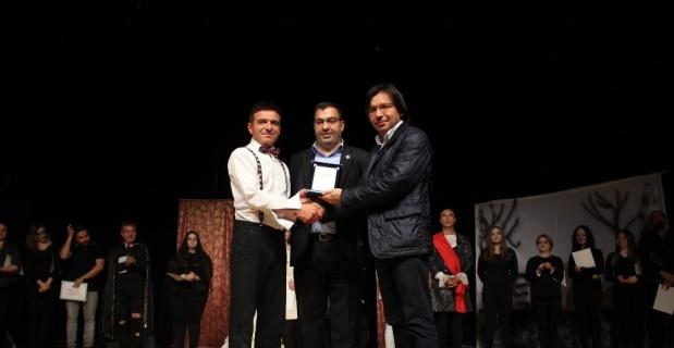 Azerbaycan'ın kuruluşunun 100. yıl dönümüne özel tiyatro gösterisi