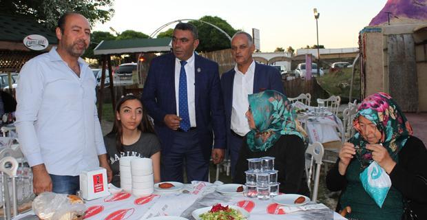 Ciğerci Ahmet'de iftar yaptılar