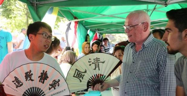 20 ülkeden 90 öğrenci Hamamyolu'nda ülkelerini tanıttı