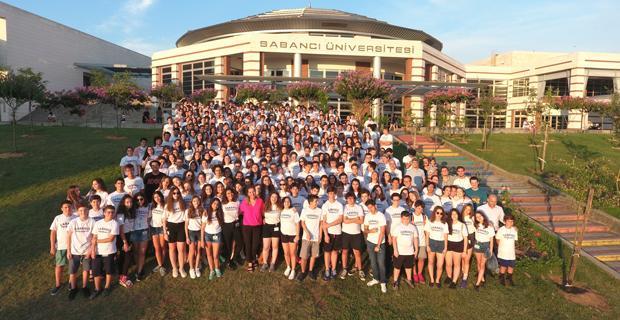 550 öğrenci Sabancı Üniversitesi'nden sertifikalarını aldılar