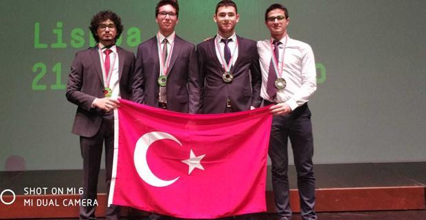 Bahçeşehir Koleji Öğrencileri'nden Uluslararası Büyük Başarı