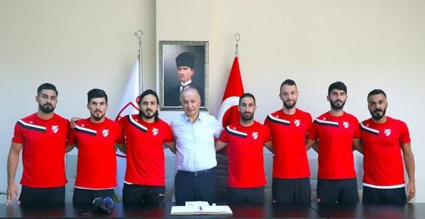 Boluspor yeni transferlerini imza töreninde tanıttı