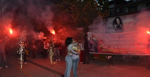 Eskişehir'de sürpriz evlenme teklifi