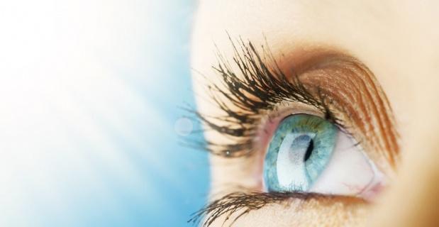 Göz kapağı düşüklüğü göz tembelliğine sebep olabilir