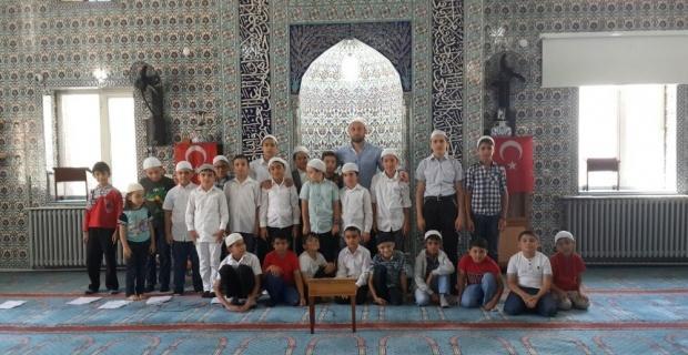 Kur'an Kursu öğrencileri de 15 Temmuz'u andı