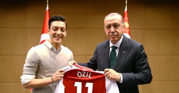 Mesut Özil'e spor dünyasından destek