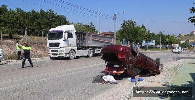 Tır otomobille çarpıştı: 1 yaralı
