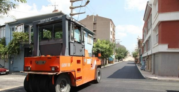 Huzur Mahallesi'nde asfalt seferberliği