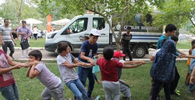 Kur'an kursu öğrencileri piknikte buluştu