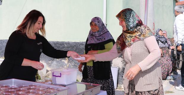 Büyükşehir'den Seyitgazi'de Aşure ikramı