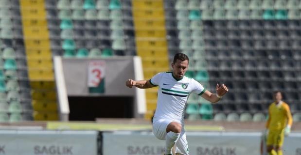 Denizli Elazığ'ı 3 golle geçti