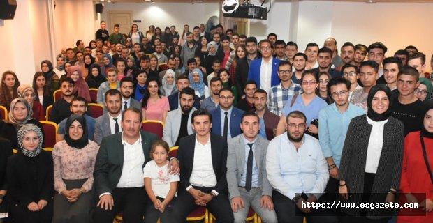 Karacan, Gençlere Tecrübelerini Aktardı