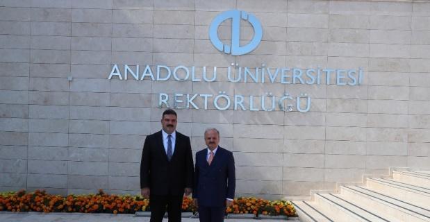 Vali Çakacak'tan yeni rektörlere 'hayırlı olsun' ziyareti