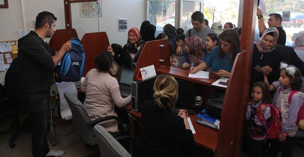 Büyükşehir'den öğrencilere kırtasiye desteği