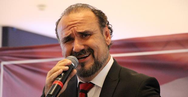 Cumhuriyet Bayramı Hakan Aysev ile kutlandı