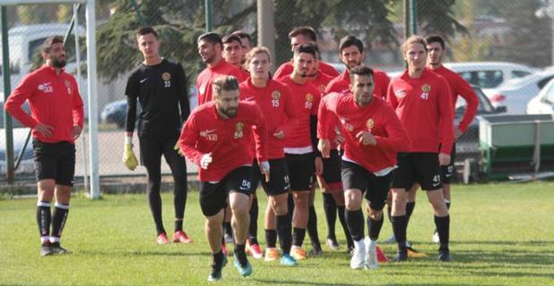 Eskişehirspor'da yoğun antrenman