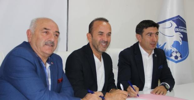 Mehmet Özdilek'le sözleşme imzalandı