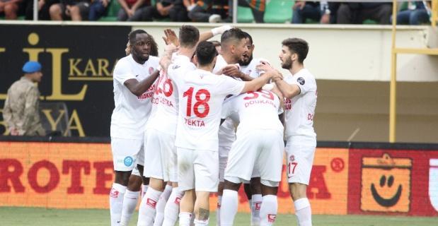Deplasmanın lideri Antalyaspor