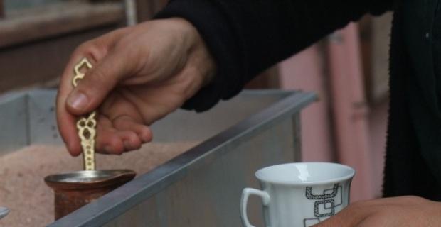 Tarihi Odunpazarı'nda 'Kumda kahve' sefası