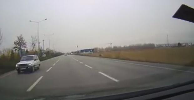 Ters yönde giden araç tehlike saçtı