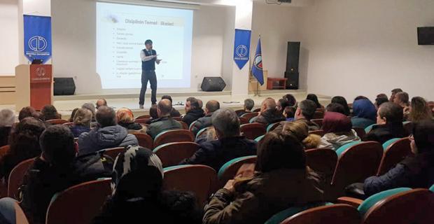 """Anadolu Üniversitesinde """"Disiplin"""" konulu aile semineri"""