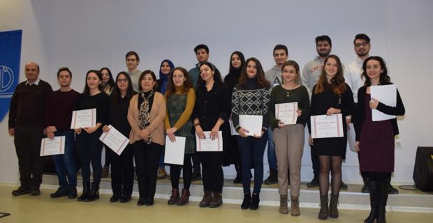 Eğitim Fakültesi öğrencilerine yüksek onur belgesi