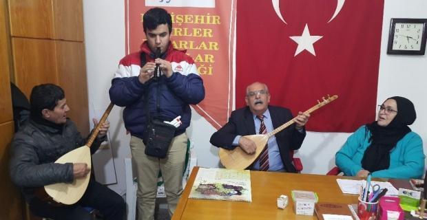 İranlı görme engelli sanatçı Mehdi Saadet flütle Eskişehir türkülerini seslendirdi