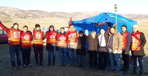 Saadet işçilerin çadırında