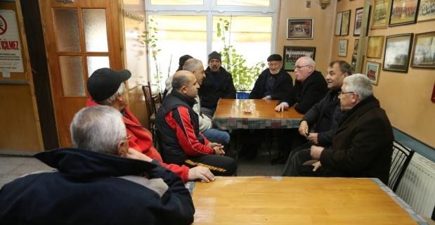 Başkan Kazım Kurt, Orhangazi sakinlerinin istek ve şikâyetlerini dinledi