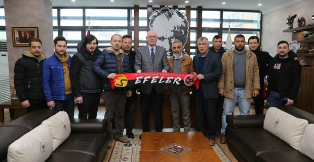Eskişehirspor Taraftarı'ndan Kazım Kurt'a teşekkür