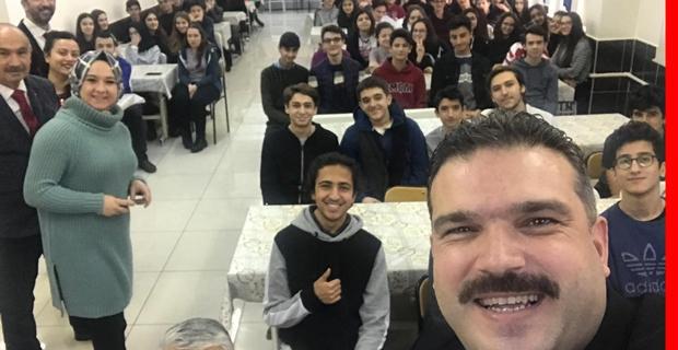 Rektör Çomaklı Muzaffer Çil Anadolu Lisesi'nde öğrencilerle bir araya geldi