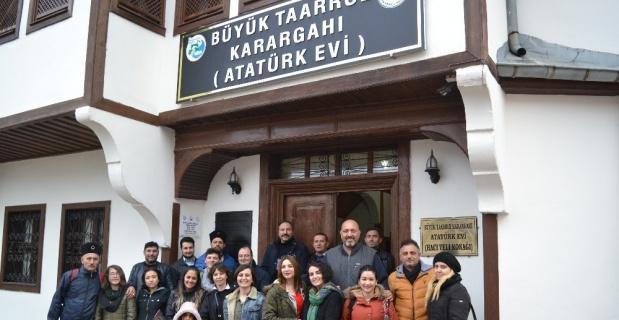 Atatürk Evi'ne ziyaretçi akını