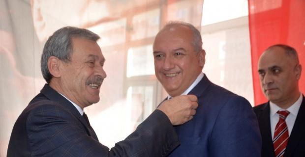 Bağımsız Belediye Meclis üyesi CHP'ye geçti