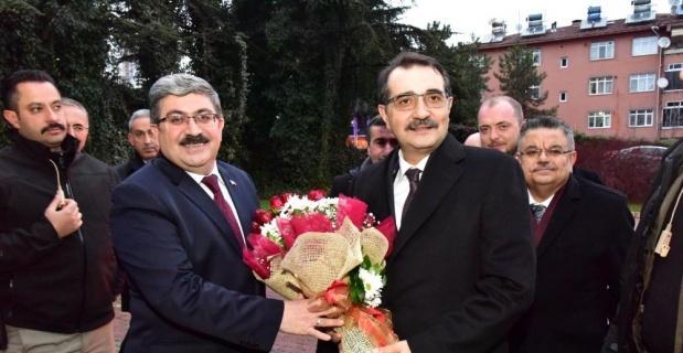 Bakan Dönmez'den Başkan Can'a ziyaret