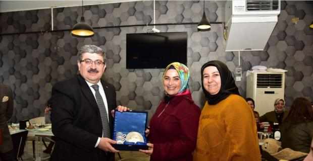 Başkan Can gönüllü anneleri ağırladı