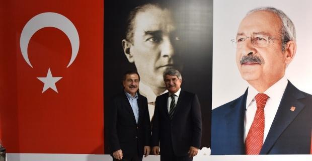 Eski bakan Fikri Sağlar, Ahmet Ataç ile bir araya geldi