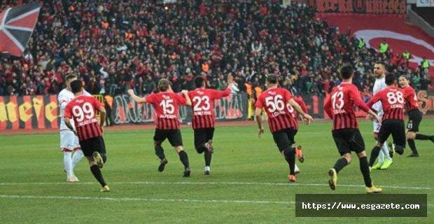 Eskişehirspor'da 4 isim oynayamayacak