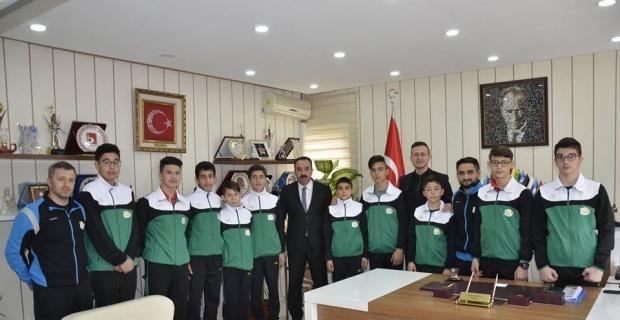 Güreş kafilesi Anadolu Yıldızlar Ligi'ne uğurlandı