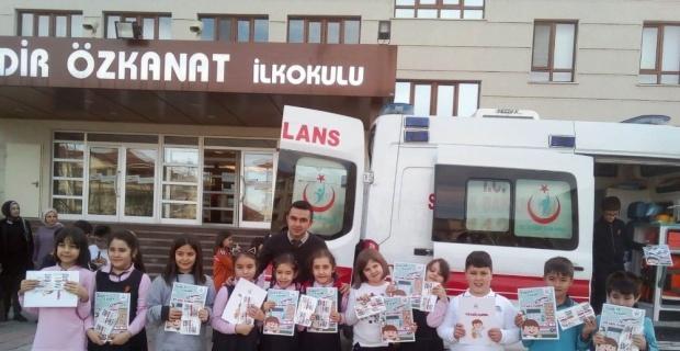 Kütahya'da 'Minik 112' ekibinden öğrencilere eğitim