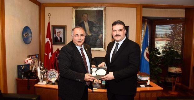 Odunpazarı Kent Konseyinden Anadolu Üniversitesi Rektörü Çomaklı' ya ziyaret