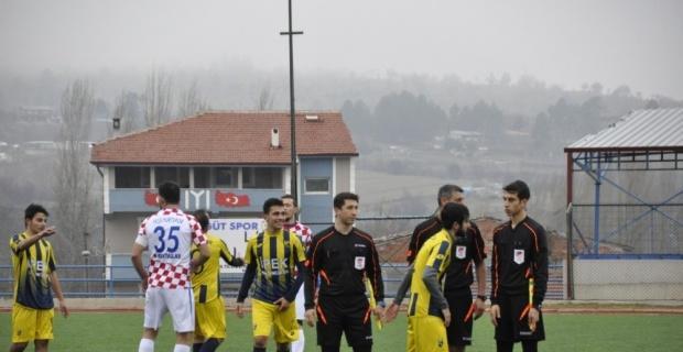 Söğütspor Yeşilyurtspor'u 4'lük yaptı