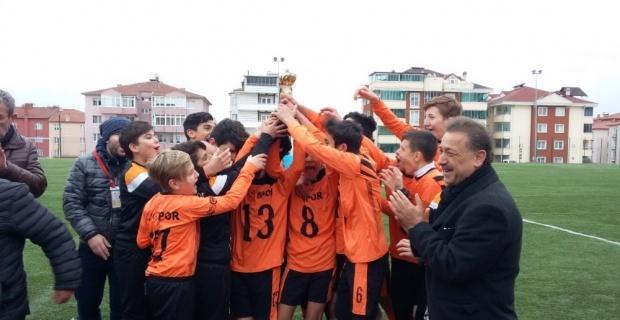 U15 Gençler Ligi şampiyonu Vitraspor