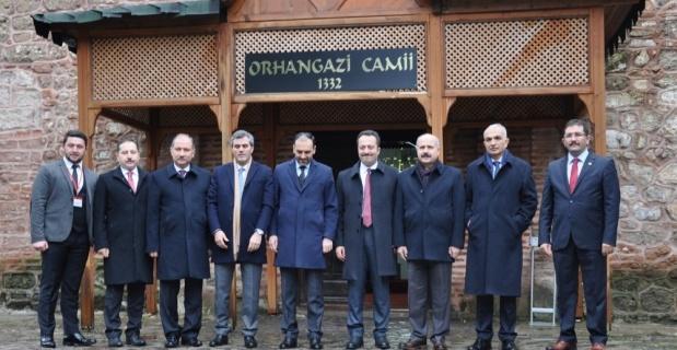 Vali Şentürk ve konuklarından tarihi şeridi ziyareti