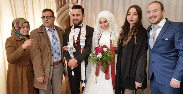 Zeynep Kıvrık ve Muhammet Çiçek evlendi