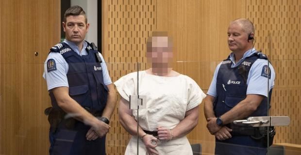Camilere saldıran terörist mahkemeye çıkarıldı