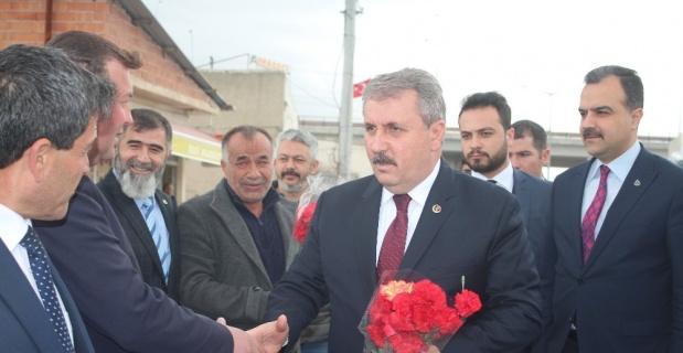 """Destici: """"Dertleri kadınlar değil, Türk toplumuna saldırıdır"""""""