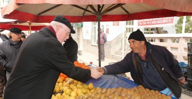 Kazım Kurt pazar ziyaretlerine devam ediyor