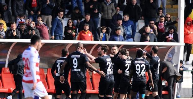 Ümraniyespor Karabükspor'u 3 golle geçti