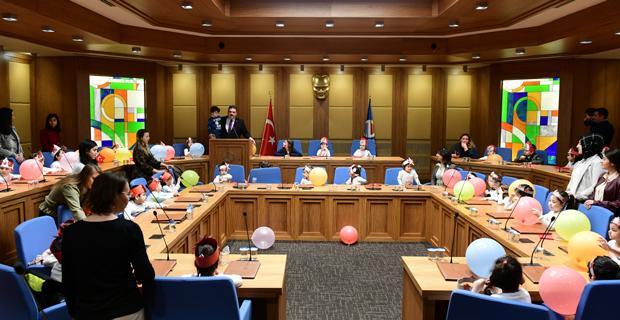 Senato 23 Nisan özel gündemiyle toplandı